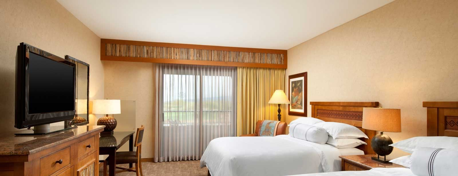 Traditional Guestroom at the Sheraton Grand at Wild Horse Pass Resort